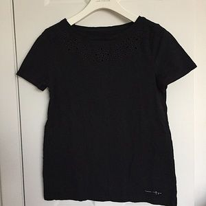 TONMY HILFIGER TEE With Eyelet Detail Size S